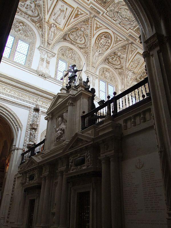 Eine Kirche in der Kirche.