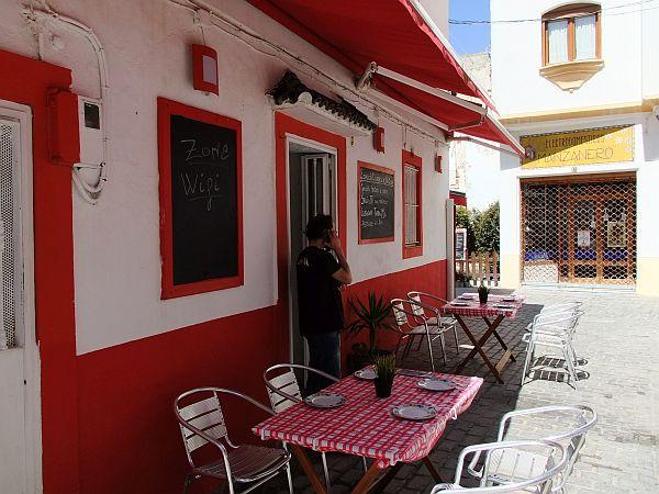 Nette Straßencafés